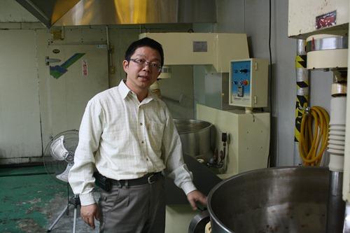 林稷治毫無食品加工背景,卻靠著不服輸的個性成功研發出獨門土鳳梨餡,市佔率已超過五成