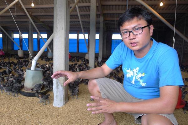 身為雞農第二代,姚量議想要打出自家品牌,但他擔憂大型電宰場壟斷後雞農就無法自產自銷了