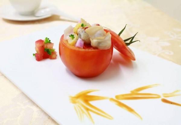 紅酒文蛤番茄盅 (武展丞)