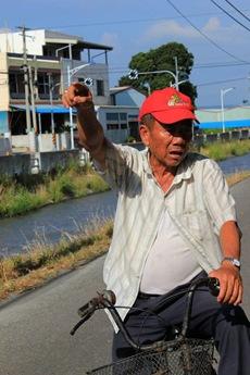 0513阿伯向徐教授表示,我們是為了後代子孫在打拼,守護這片土地有水可用。_sharpen