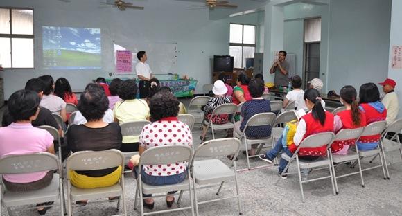 首次以瘦肉精為議題的講座,在高樹鄉舊庄社區活動中心開辦攝影/江嘉萍