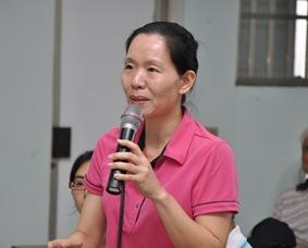高樹鄉民俗推展協會理事長林淑鐶針對「良」食自主權提出問題。攝影/江嘉萍