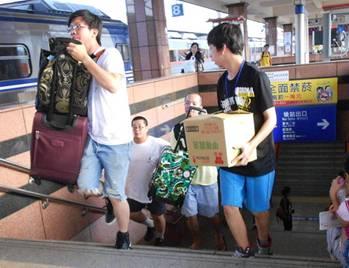 【公民寫手】抬行李吧!臨時孫子