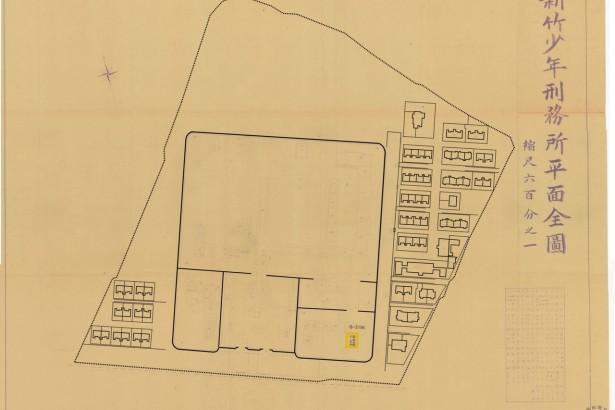 底圖為約莫1944年的總督府檔案地圖。原地圖墨色極淡,作者重新描現了原始27棟老房子的位置與建築單元。
