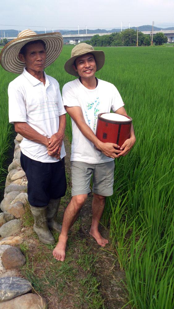 回鄉務農從事自然農法,江申豐一度無法取得父親諒解。當看到健康與環境都改善了,江父也漸漸接受兒子的理念。(圖 / 黃惠玲攝影)