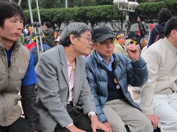 捍衛農鄉聯盟會長劉慶昌(右)經過和國際團體「農民之路」的交流後,才發現原來每個國家的圈地政策,都可能影響到千里之外的另一個國家。