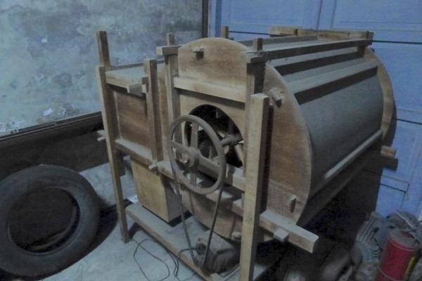莊民宗還留著碾米工廠的風鼓機,希望下一代還能記得以前的歷史