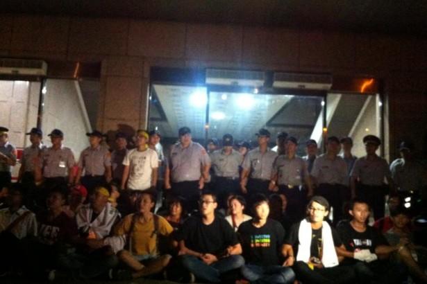 【公民寫手】台灣農村陣線818拆政府聲明【我們為什麼要佔領內政部?】
