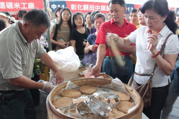 台灣米博覽會 現場製作米食大熱賣