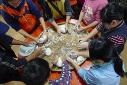 用自己種的米,做自己吃的湯圓,是每年穀東冬日聚會的重頭戲