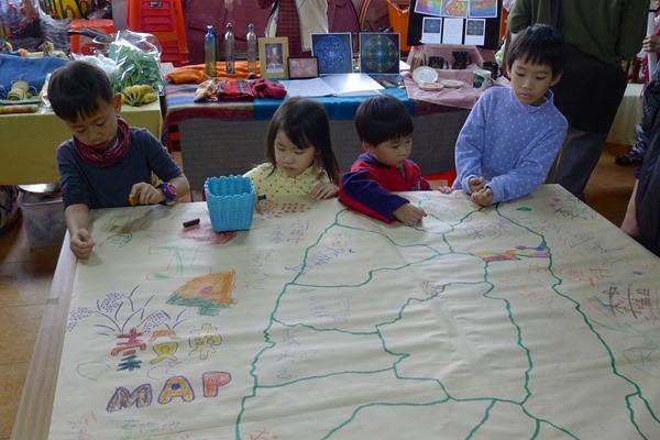 賴青松的穀東地圖遍佈全台,許多小小朋友都是未來的農業種子