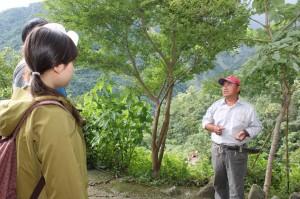 透過生態旅遊導覽,讓遊客認識阿禮部落生活與文化,也建立守護環境的心。(圖/汪文豪攝)
