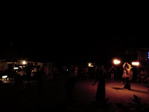 海或・瘋市集舞台,火舞。攝影:路斯(2014.7.11)