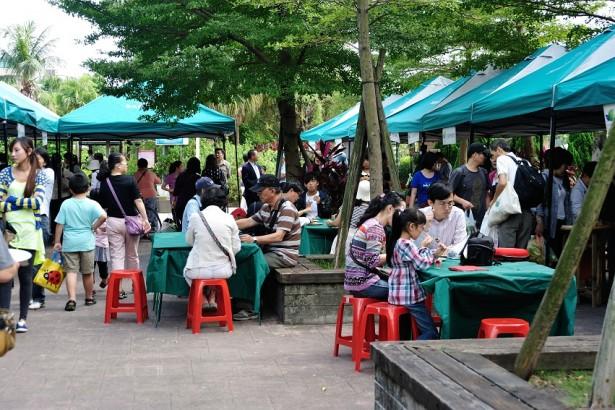 水花園有機農夫市集不斷以各種飲食分享和健康料理和市集支持朋友們共同切磋健康飲食文化