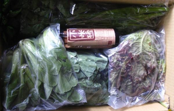 大約每周配送的蔬菜量,四到六種蔬菜,四兩到十兩不等,約可供四口之家一天開伙一次吃一周