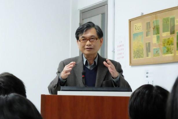 基改台語怎麼說?台大農藝系教授用台語教農業