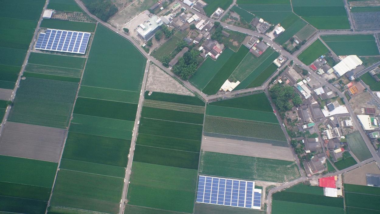 蔡嘉陽認為,農地種電有與糧爭地的問題,不應選擇在還具有農業生產功能的土地上。(圖/蔡嘉陽攝)