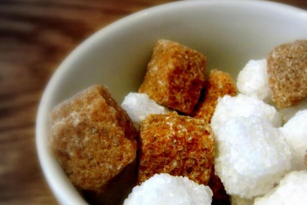 陳俊成:熬煮甘蔗汁維持酸鹼中性,可大幅降低黑糖生成丙烯醯胺