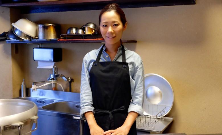 今年才29歲的椎名伸江,為了幫孩子做營養晚餐辭去了營養師工作