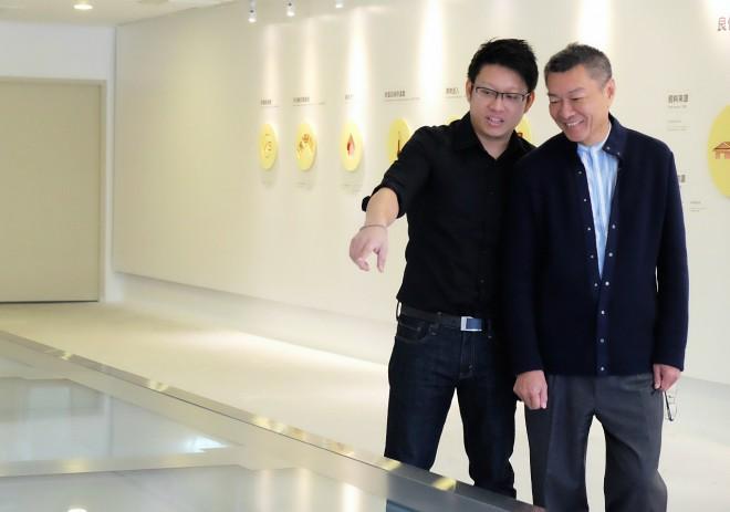 吳季衡(左)和吳昆民(右)2