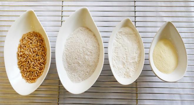 (由左到右)伊拉克古老原生麥種Khorasan、裸麥、台灣小麥、杜拜杜蘭小麥Semolina、杜拜杜蘭小麥Semolina
