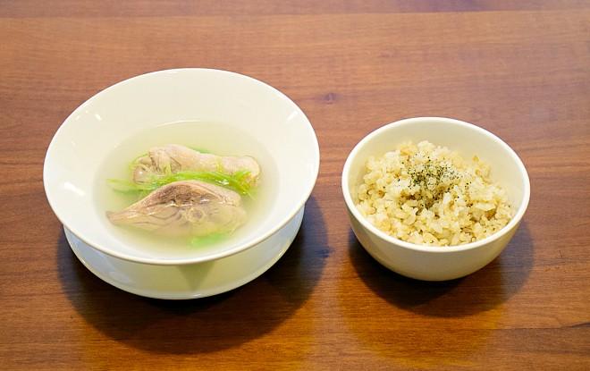 雖然是湯品為主,但也能單點米飯主食。(圖/潘子祁攝)