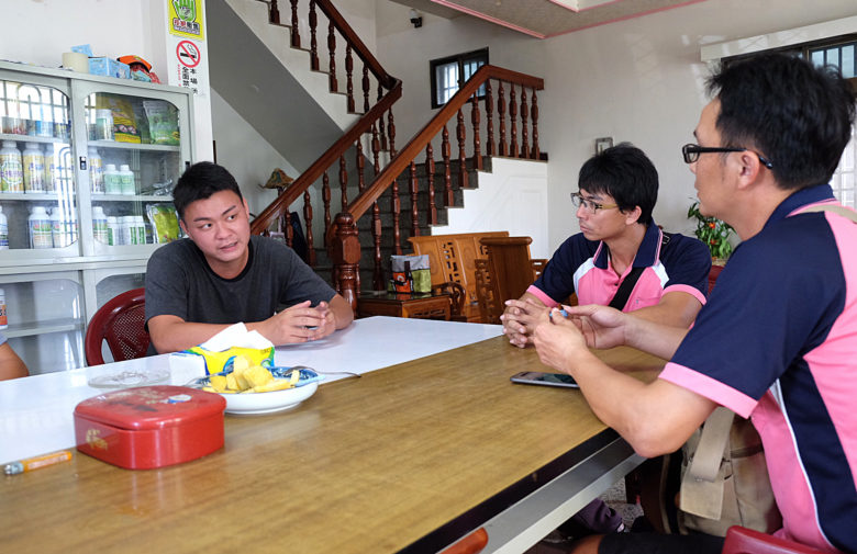 雲林縣青年農民聯合會成員常透過定時聚會,交流農業技術。(攝影/郭琇真)