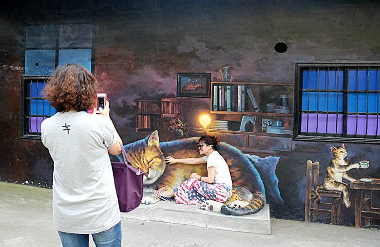 頂溪社區的貓咪彩繪充滿互動性