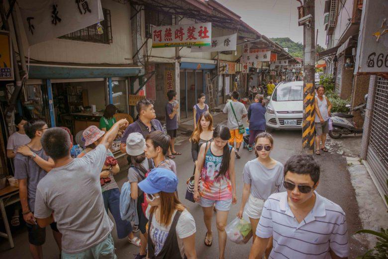 旗山太平商場老街目前由居民與年輕人要重新營造街道風采