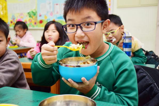 營養午餐預算不增加 食材真的能升級?
