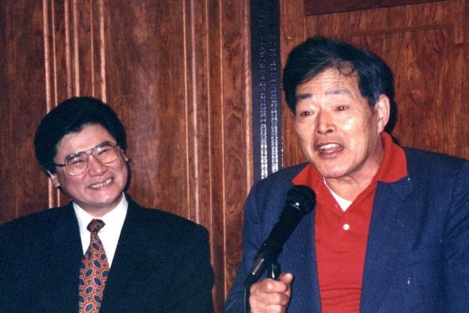 毛潤豐(圖左)與朱耀沂合影