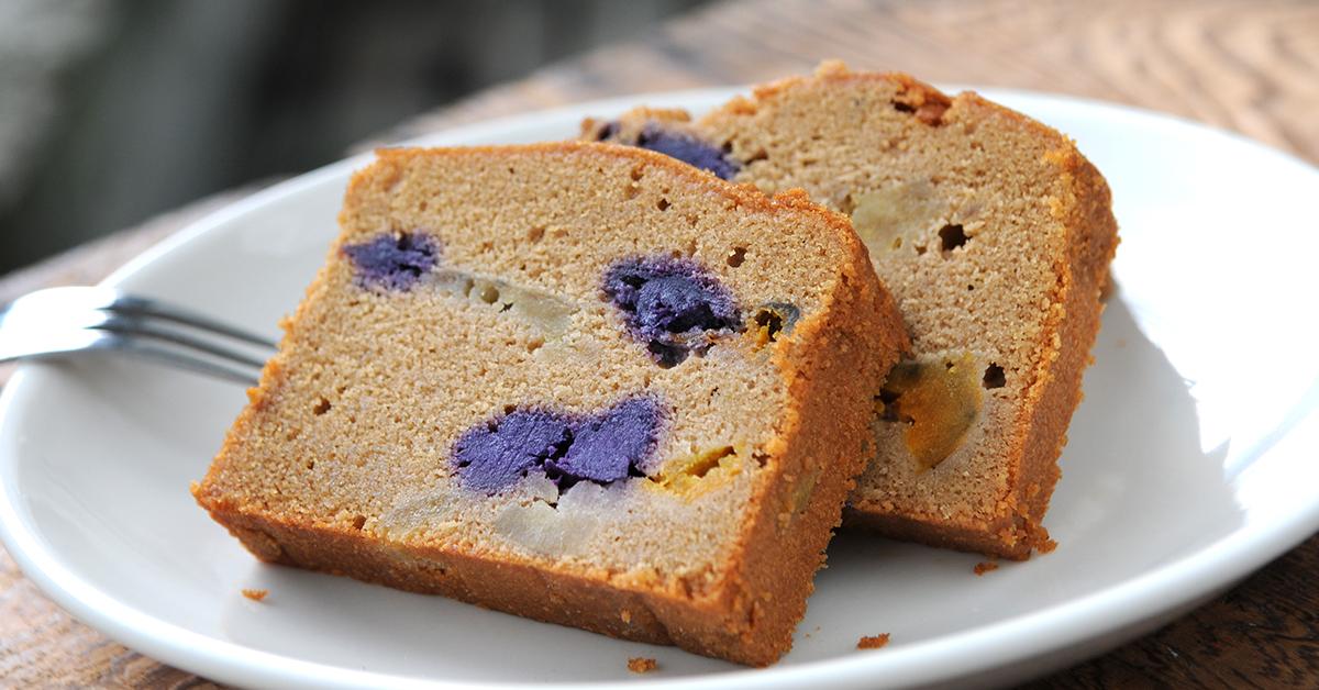 當小農產量過剩,小生產者的彈性與創意,非大型加工廠可以比擬,此為地瓜三兄弟磅蛋糕,由長期使用小農作物的米多幸福製作。
