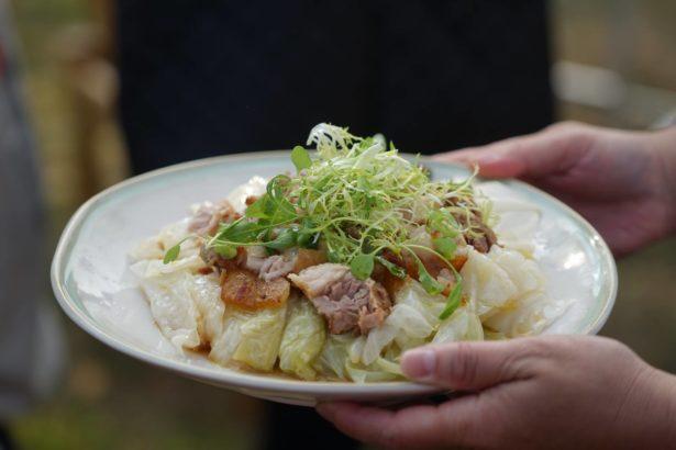 【食譜】天才高麗菜三煮  脆皮油封豬與燉甘藍、沙拉與濃湯
