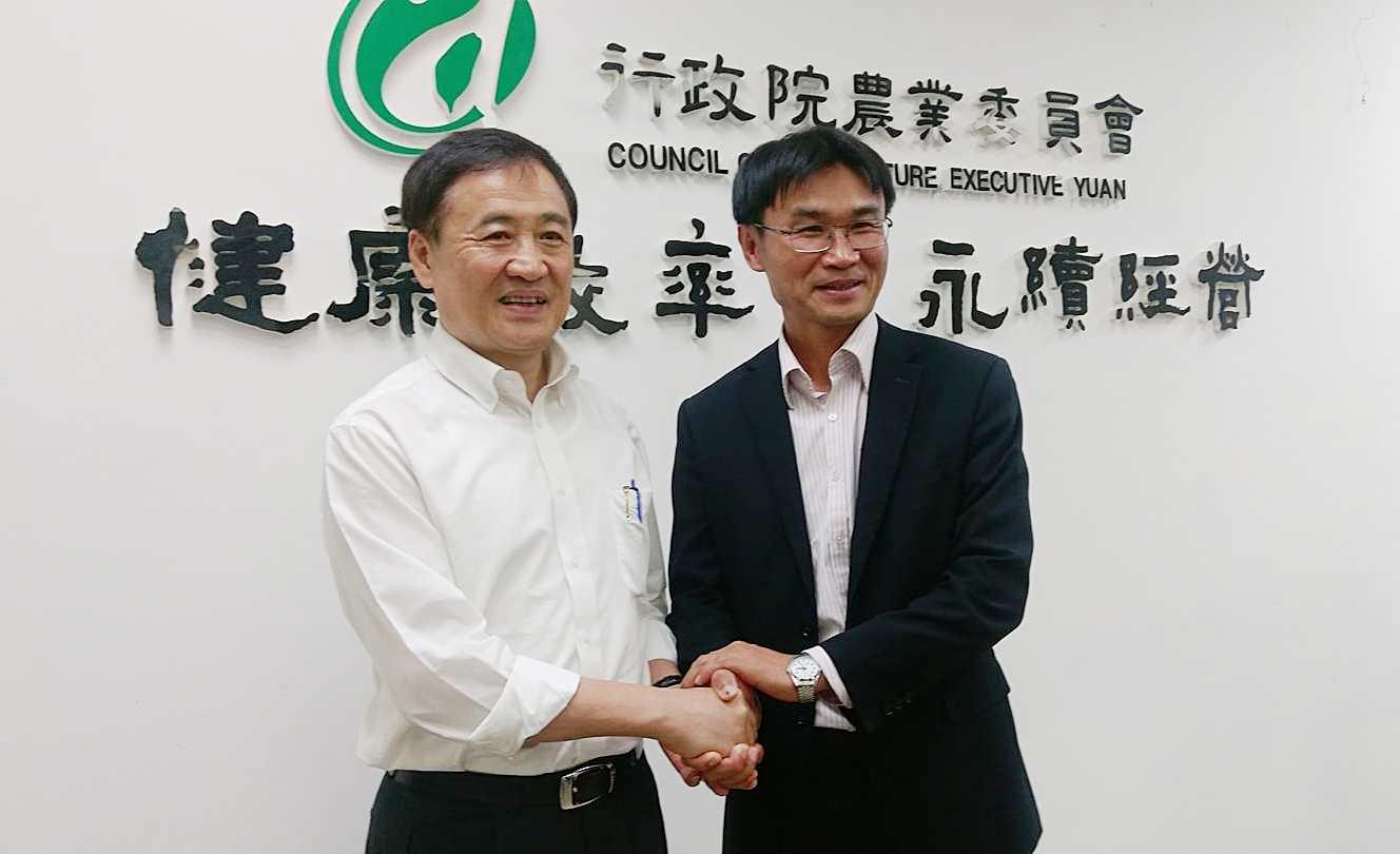 (右)農委會副主委陳吉仲、(左)台北市副市長陳景峻(攝影/賴郁薇)