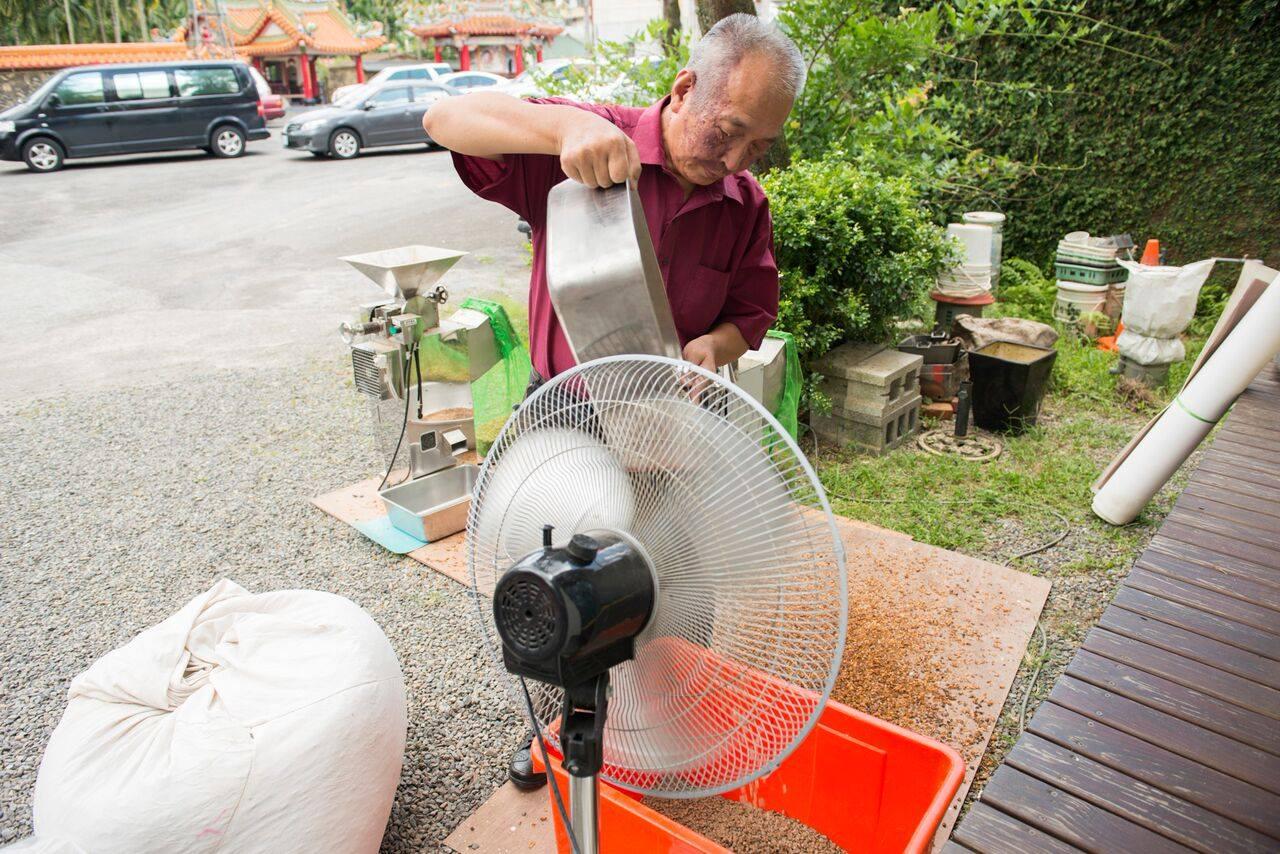 烘乾水洗豆,提升製程讓豆味更乾淨