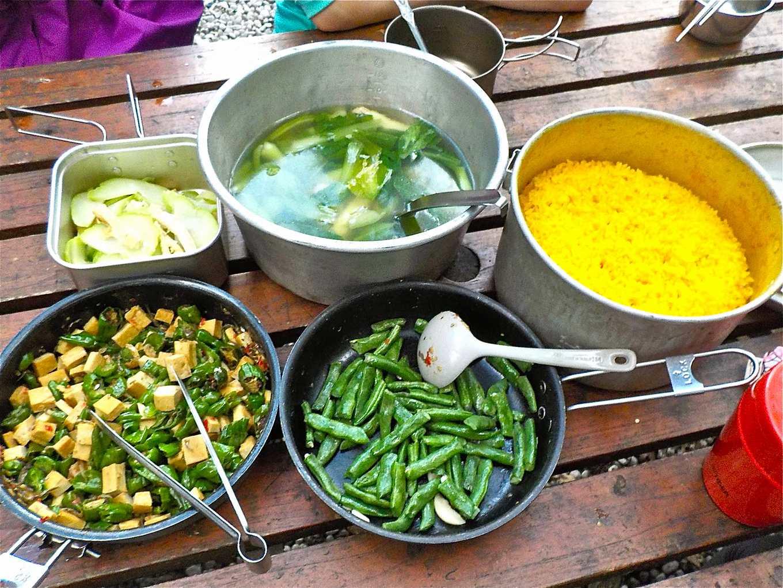 高山上的一餐,也可以吃得新鮮而豐盛(圖片提供/林乙華)