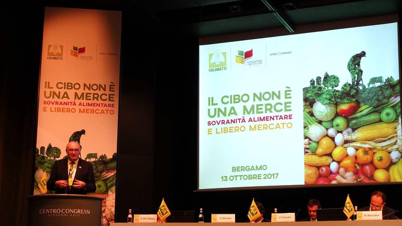 歐盟農業高級專員何根(發言者)仍捍衛自由貿易(攝影/鄭傑憶)