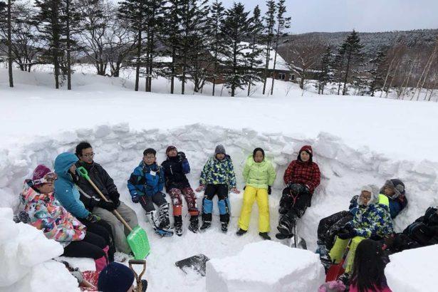 自然學校的課程隨季節調整,冬天也有學習活動(照片提供/吳立涵)