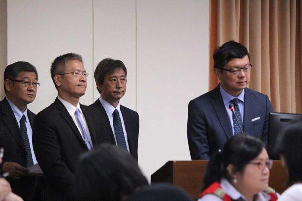 (右一)農委會副主委李退之(攝影/賴郁薇)