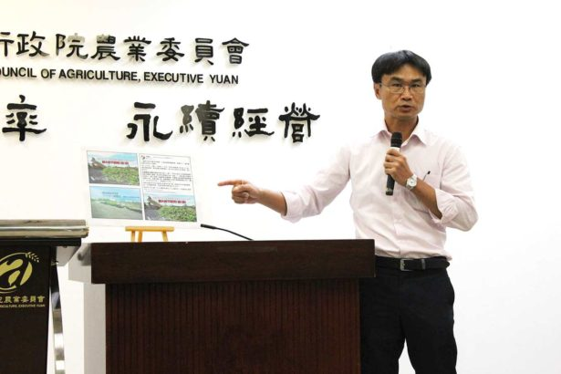 農委會副主委陳吉仲痛批謠言打擊香蕉價格(攝影/劉怡馨)