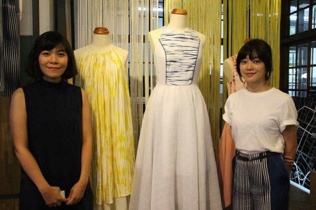 台灣時裝品牌C JEAN設計師簡君嫄(右)和泰國織物設計工作室Slowstitch Studio設計師Ann(左)攝影/劉怡馨