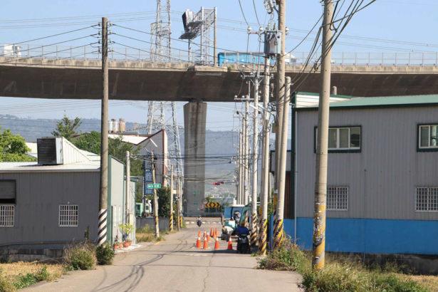 台灣鄉村地景受工廠及其他因素切割(上下游資料照)