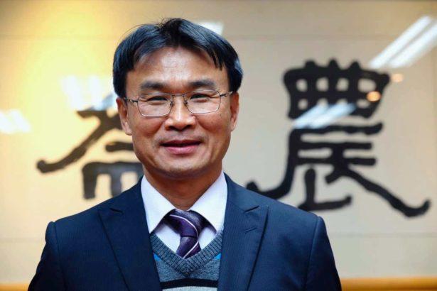 農委會主委專訪01》政壇來去僅是一只背包,陳吉仲想帶領台灣農業前往何方?