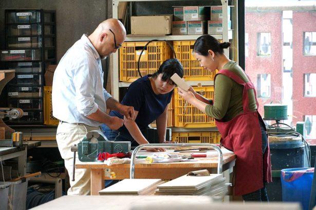 笠間陶藝大學校因為的師生比低,學生與老師的互動互動十分密切。