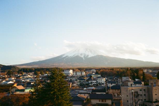以老房子民宿為據點,改造富士山腳的空屋小鎮|Hostel SARUYA