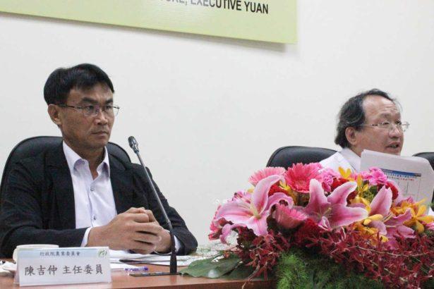 農委會舉辦「口蹄疫及非洲豬瘟檢驗分析座談會」,主委陳吉仲(左)和副主委黃金城(右)。(攝影/林珮君)