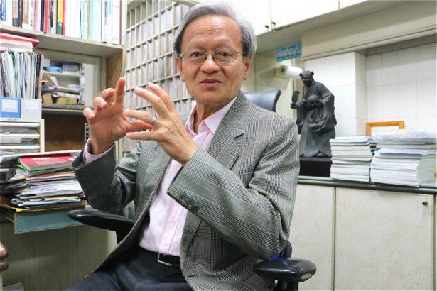 推動社區防疫的小鎮醫師陳錦煌。林吉洋拍攝
