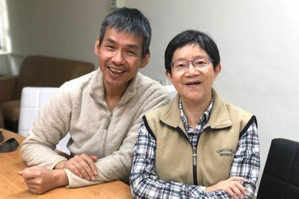(右)中央研究院植物暨微生物學研究所特聘研究員邢禹依(左)研究助理徐子富(攝影/古碧玲)