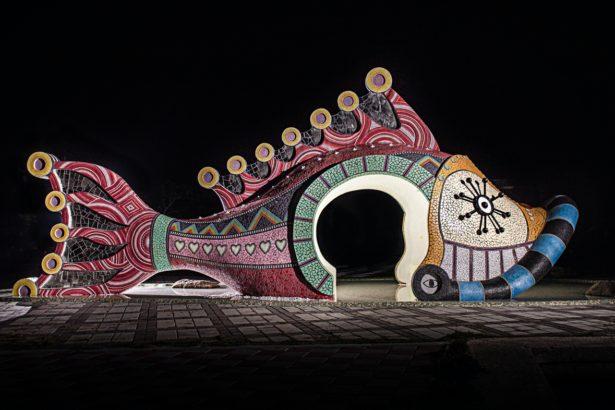 守護海岸的台灣裝置藝術《海將軍頭冠》,拿下巴黎、義大利設計大獎!