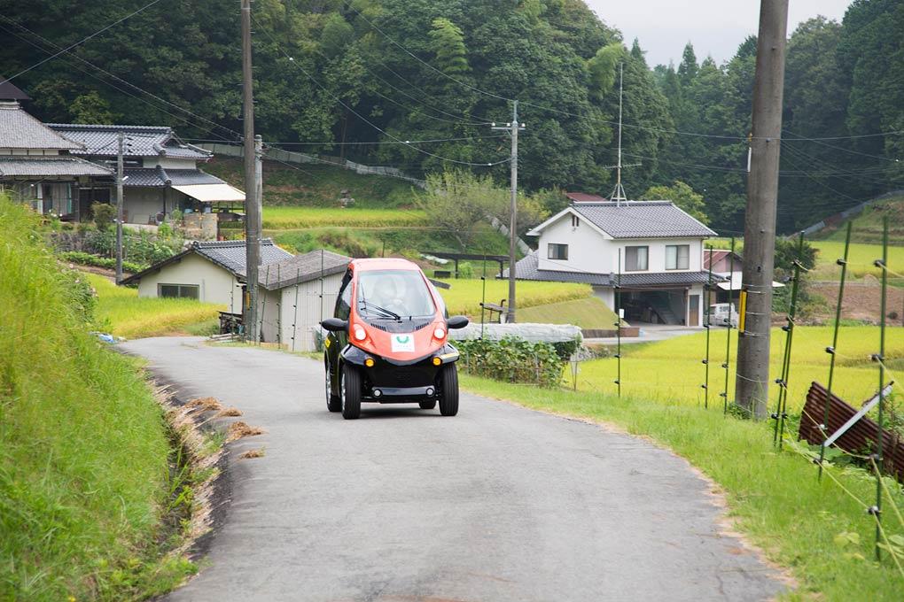 TOYOTA的小型電動車coms。攝影 / 近藤悟